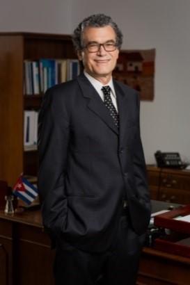 Eliseo J. Pérez-Stable, M.D. (Eh-lee-SAY-oh PEH-rez STAH-blay